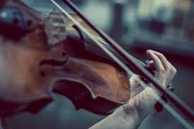 Música clásica relajante 4 imagen de violín tocado