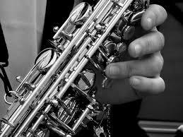 Música relajante jazz 8 imagen de saxofonista